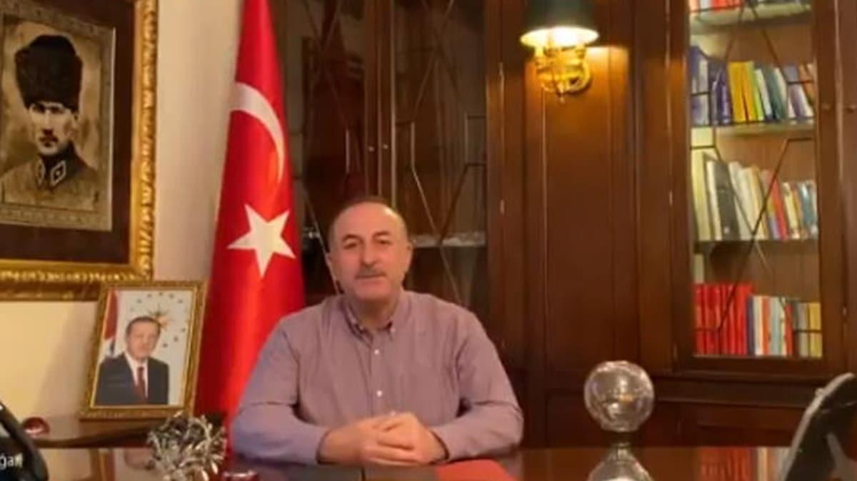Bakan Çavuşoğlu'ndan yurt dışındaki vatandaşlara videolu 'evde kalın' çağrısı