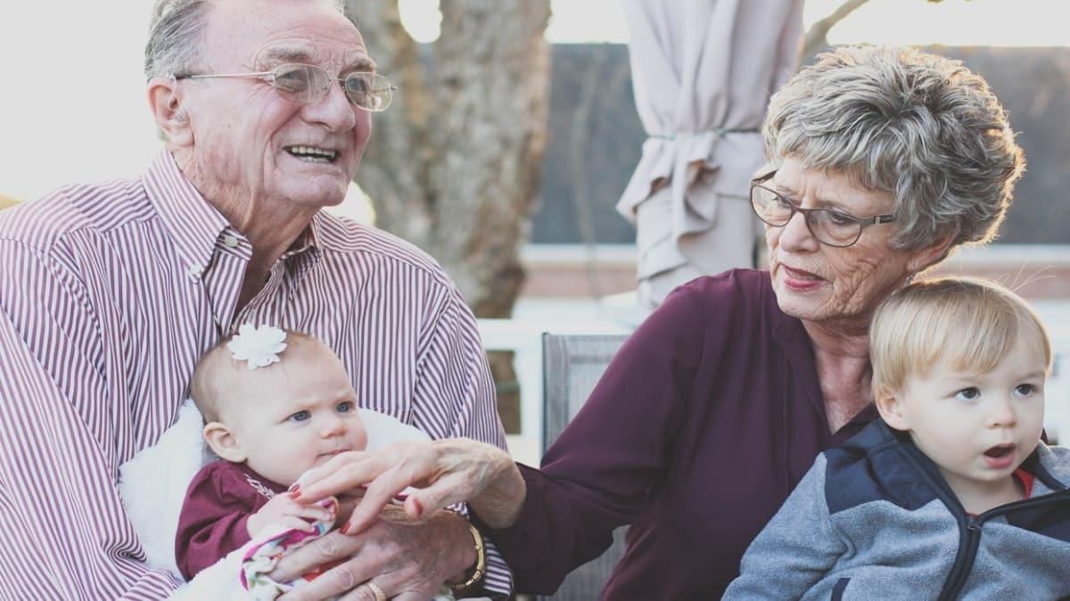 Uzmanlardan 65 yaş üstü yaşlılara uyarı: Evde egzersiz yapın Evde basit egzersizler