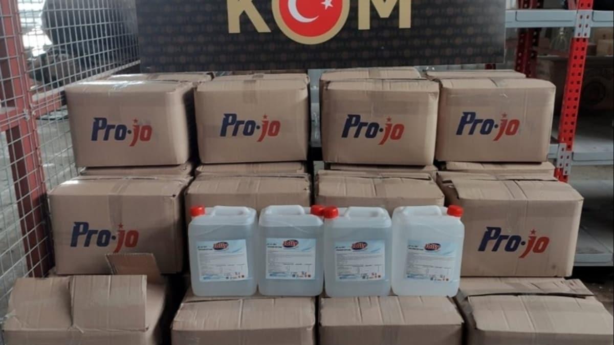Adana'da koronavirüs fırsatçılarının ürettiği 60 litre sahte dezenfektan ele geçirildi