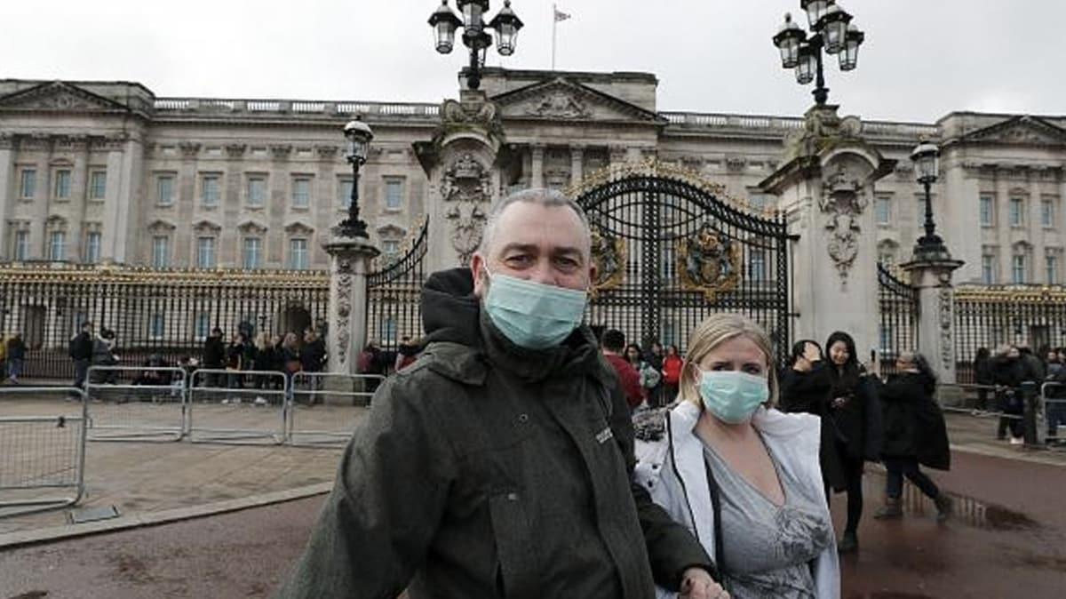 İngiltere'de koronavirüs nedeniyle son 24 saatte 393 kişi öldü