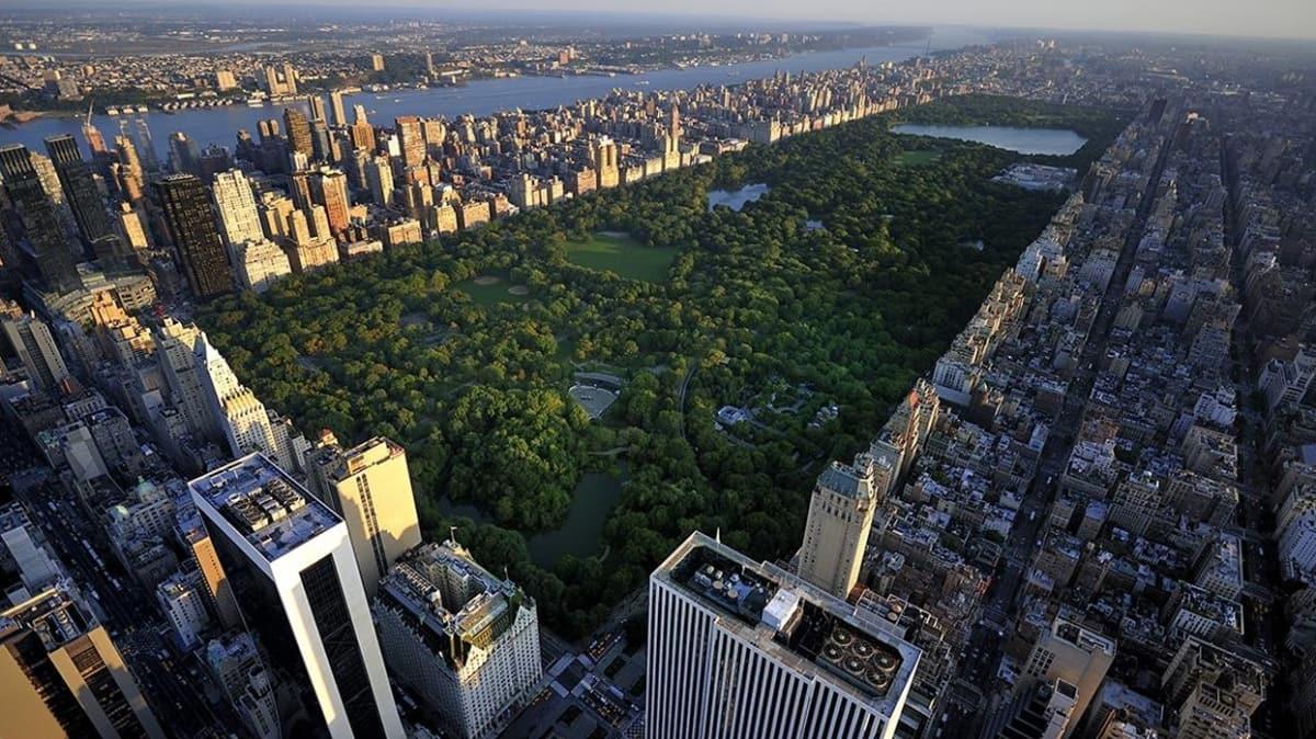 Salgının merkez üssünde, virüsten hayatını kaybedenlerin parklara gömülmesi gündemde