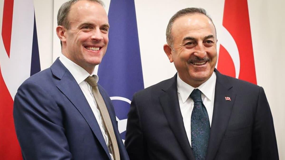 İngiliz Dışişleri Bakanı Raab'dan Çavuşoğlu'na koronavirüse karşı dayanışma teşekkürü