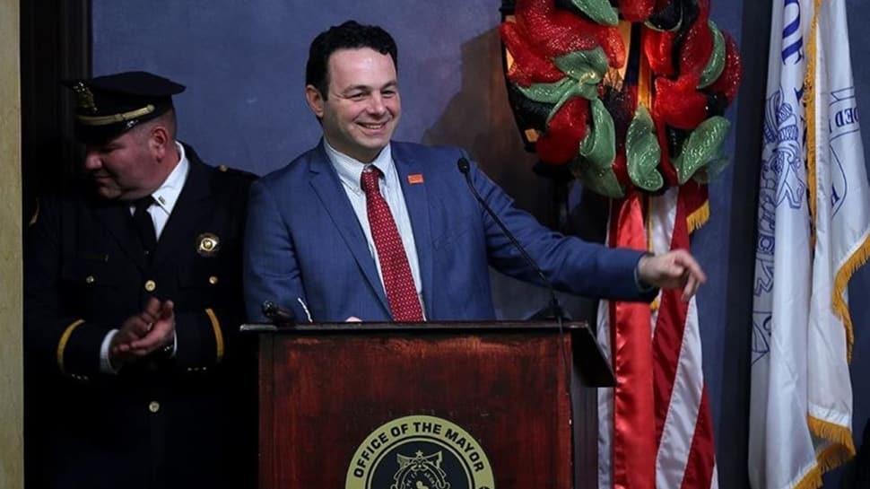 ABD'de Türklerin en yoğun yaşadığı kentin Belediye Başkanı Kovid-19'a yakalandı