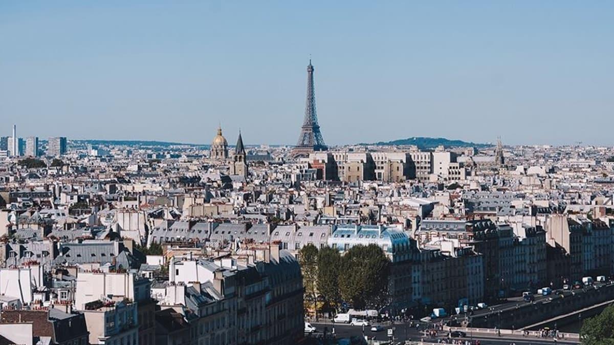Fransa'da koronavirüs salgınından hayatını kaybedenlerin sayısı 12 bin 210'a yükseldi
