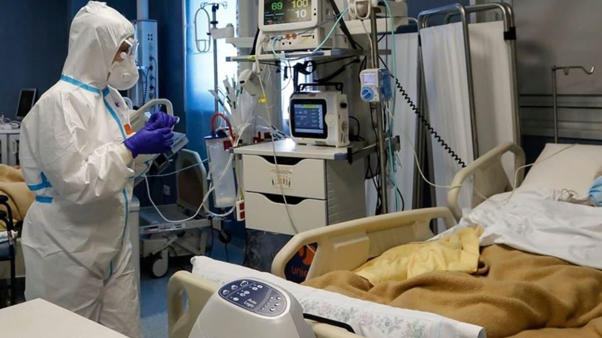İtalya'da koronavirüs nedeniyle hayatını kaybedenlerin sayısı 25 bin 549'a yükseldi