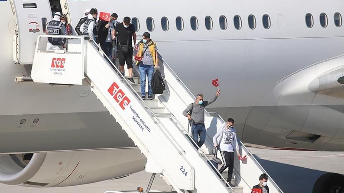 Yurt dışında kalan Türk vatandaşlarının tahliyesi sürüyor