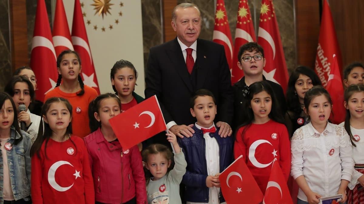 Başkan Erdoğan millete seslendi... Tüm Türkiye İstiklal Marşı okudu