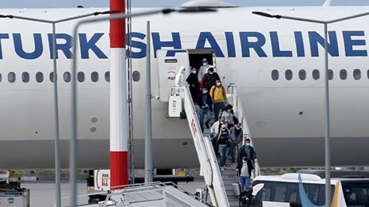 BAE ve Suudi Arabistan'daki Türk vatandaşları İstanbul'a getirildi
