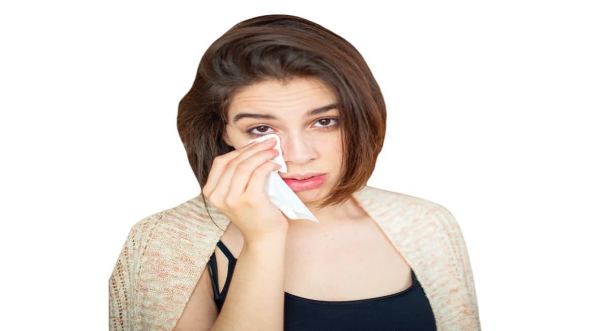 Mevsim geçişleri göz alerjisini tetikliyor
