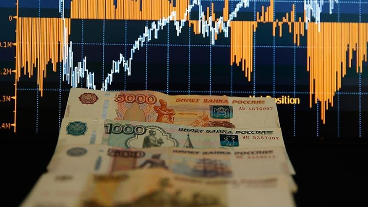 Koronavirüs salgını Rusya'yı vurdu: Rus ekonomisi günde 100 milyar ruble kaybediyor!