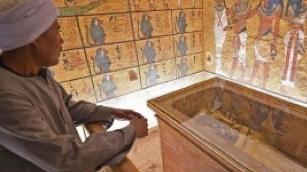 Mısır'da firavunlar dönemine ait 1600 yıllık tabut bulundu