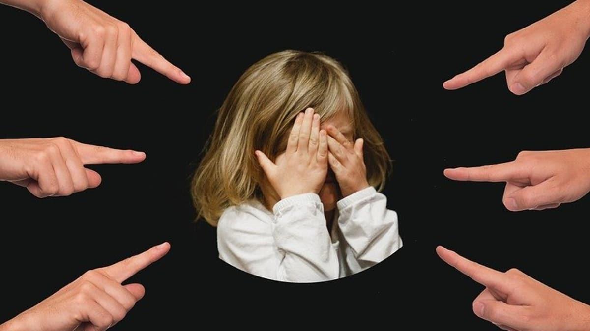 """Çocuk yalan söylerse nasıl davranılmalıdır""""  Çocuk neden yalan söyler"""""""