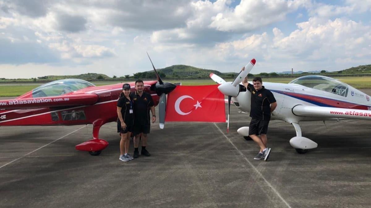 Türk pilottan Anzak Günü'nde Avustralya ve Türk askerlerine saygı uçuşu