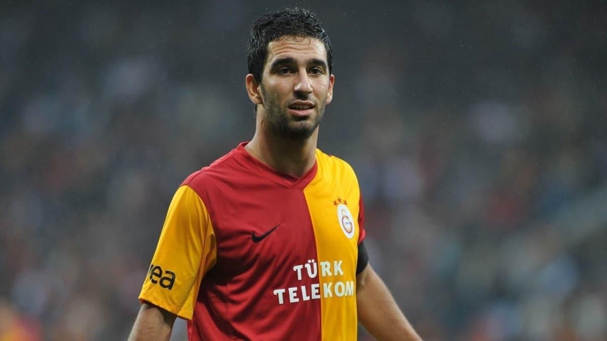 Galatasaray'da flaş gelişme! Kaptan Arda Turan...