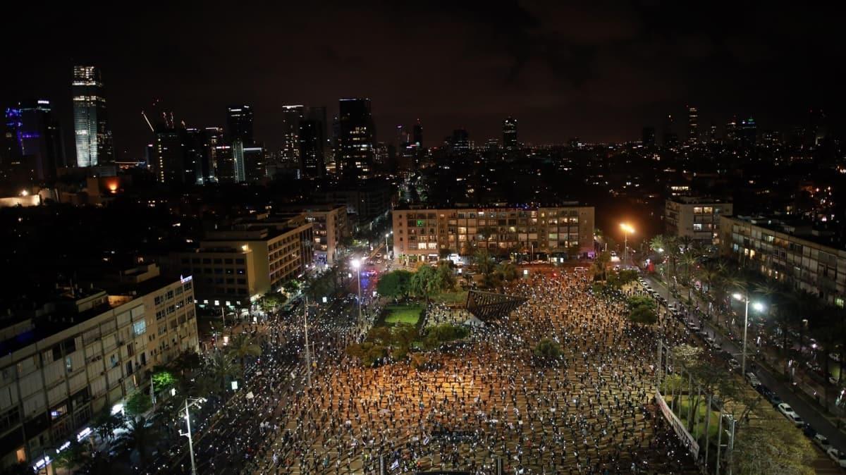 Koronavirüse rağmen meydanlara indiler... İsrail'de Netanyahu karşıtı gösteri