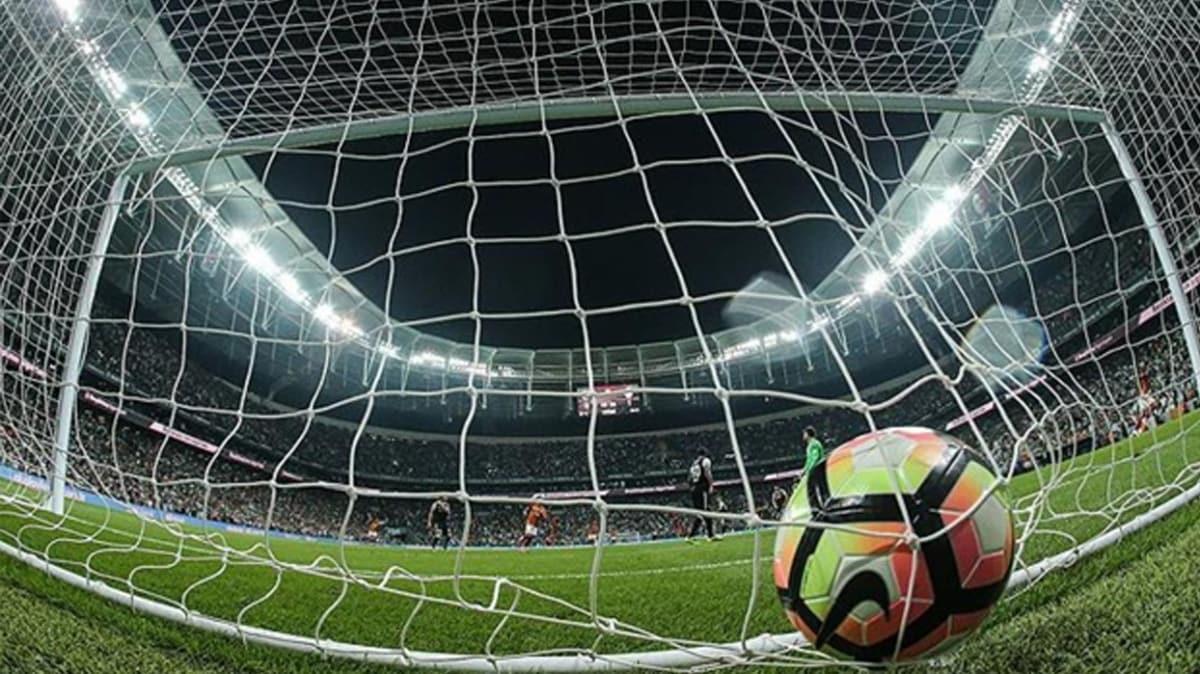 Bir ülke daha futbol maçlarını askıya aldı