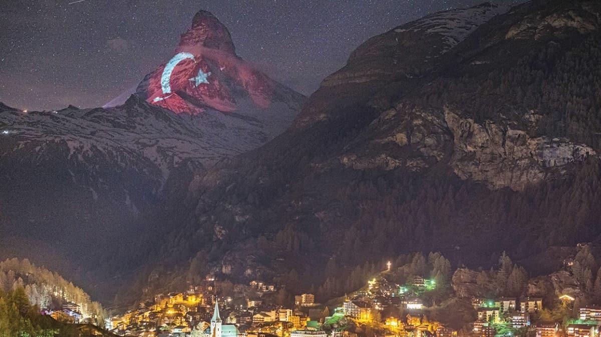 Bu karenin öyküsüne AKŞAM ulaştı! 'Türk bayrağı zirveye 10 günlük çabayla yansıdı'