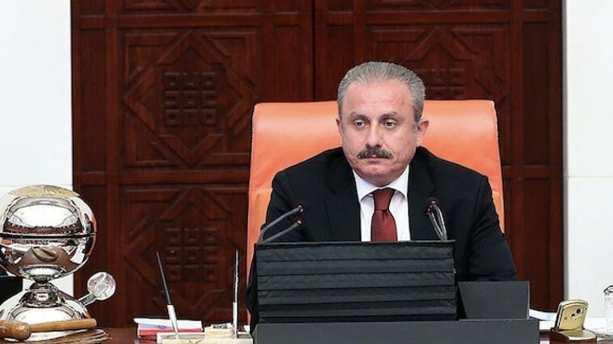 Meclis Başkanı Şentop: Türkiye demokrasideki karanlık sayfaları açılmamak üzere kapattı