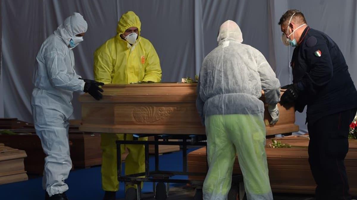 İtalya'da koronavirüs nedeniyle ölü sayısı 27 bin 359'a yükseldi