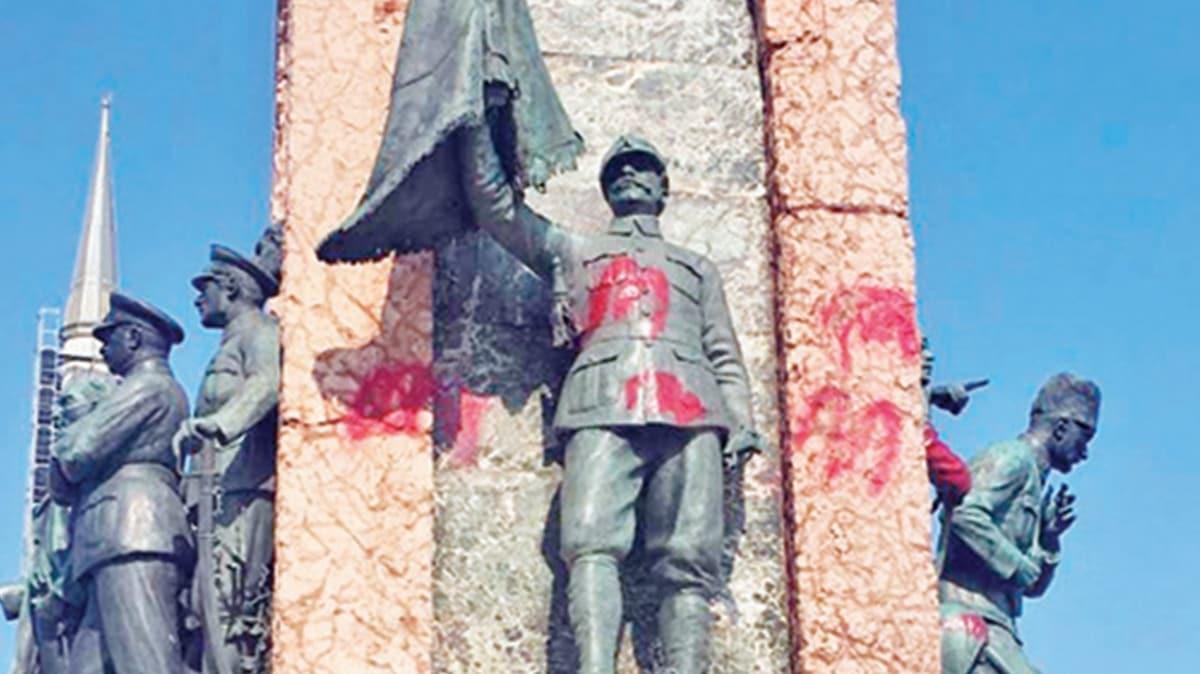 Cumhuriyet Anıtı'na spreyli saygısızlık