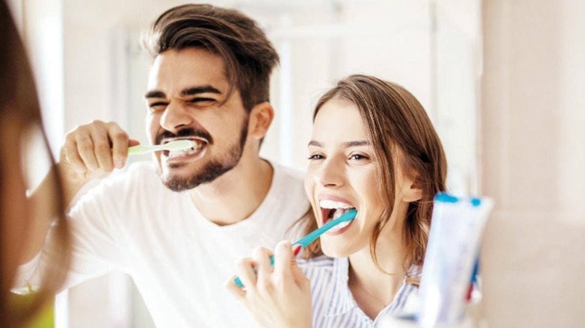 Dişleri fırçalamak oruç bozmaz