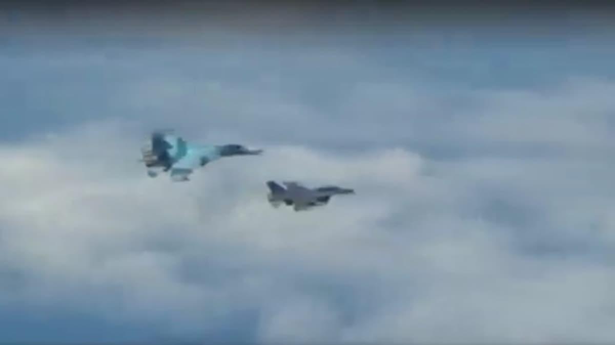 Gökyüzünde NATO-Rusya gerilimi! F16'lar peş peşe havalandı