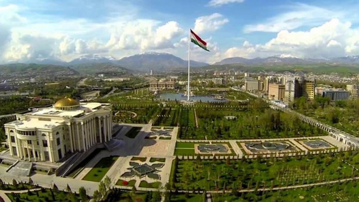 Eski Sovyet ülkesinden önemli hamle... İsimlerde Rusça eklerin kullanılmasını yasaklayacak