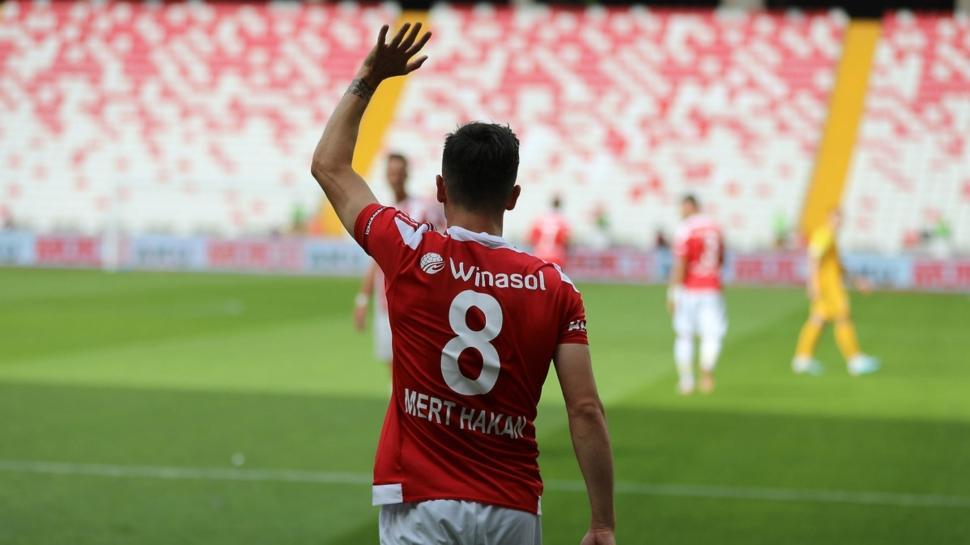 Galatasaray'da Mert Hakan transferinde son dakika gelişmesi