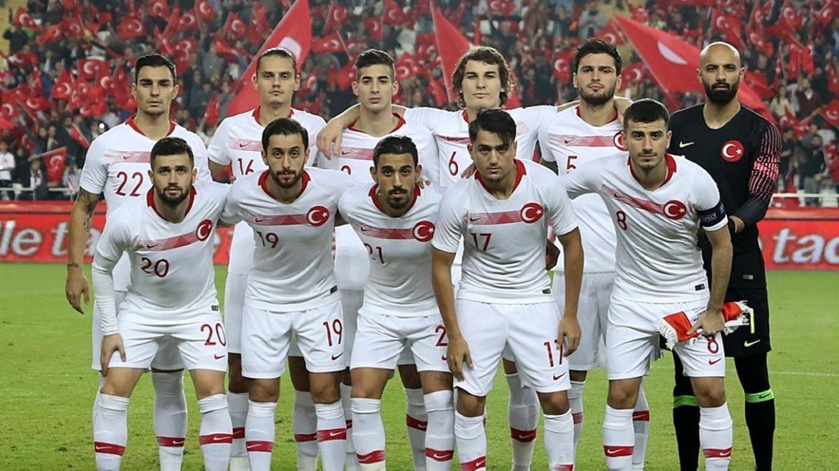 Galatasaray'da Belhanda gidiyor, Yunus Mallı geliyor