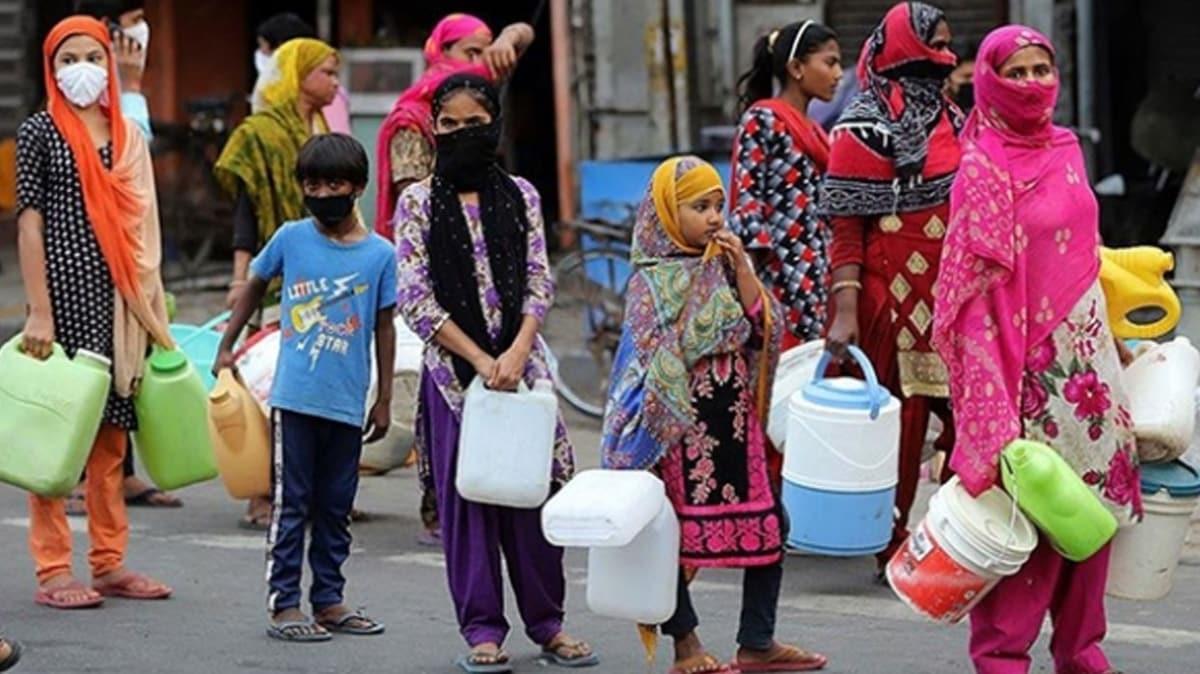 Hindistan'da Kovid-19 vaka sayısı 50 bini aştı