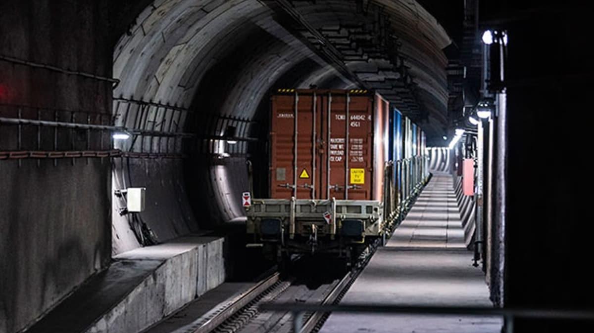Bakan Karaismailoğlu: Marmaray'dan ilk defa yurt içi yük trenini geçecek