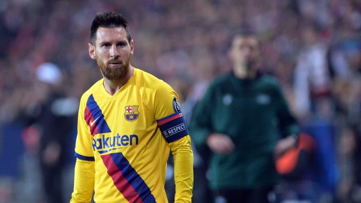 Koronavirüs Lionel Messi'yi vurdu