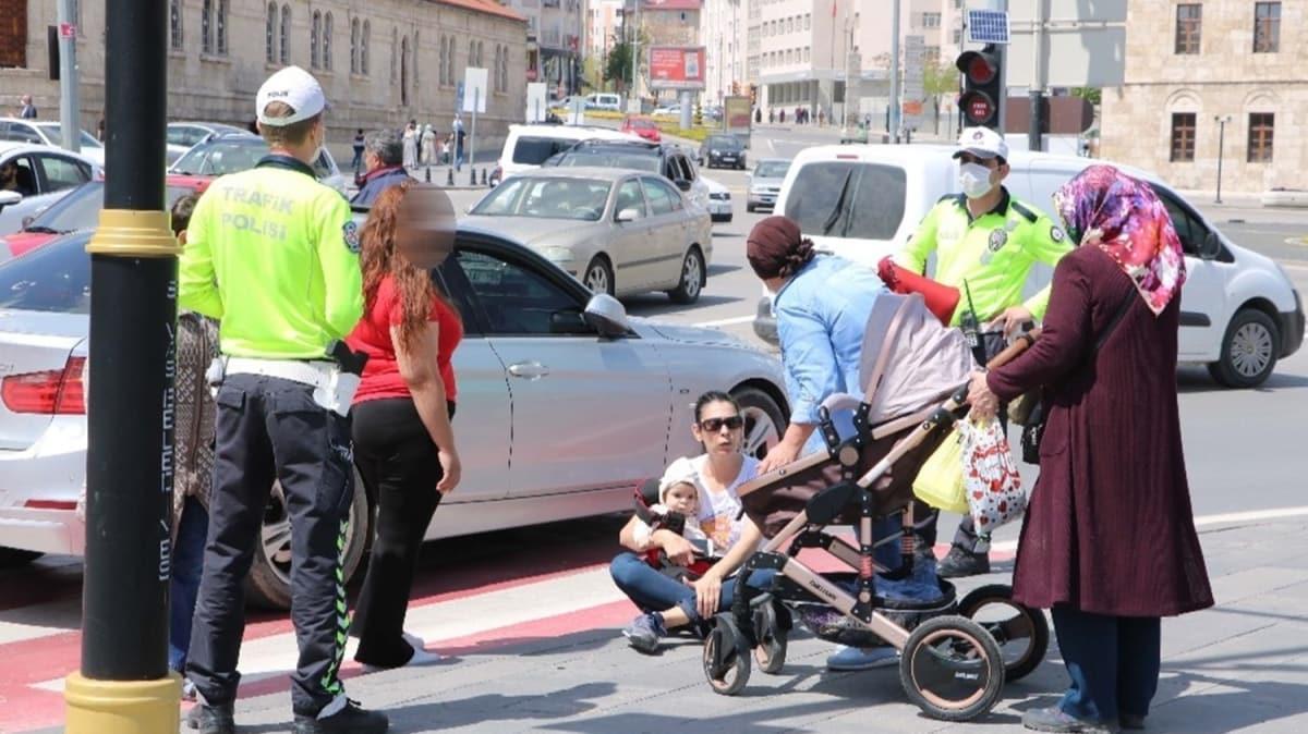 Sivas'ta bir sürücü çarptığı yayaya 'abartıyorsun' diyerek tepki gösterdi