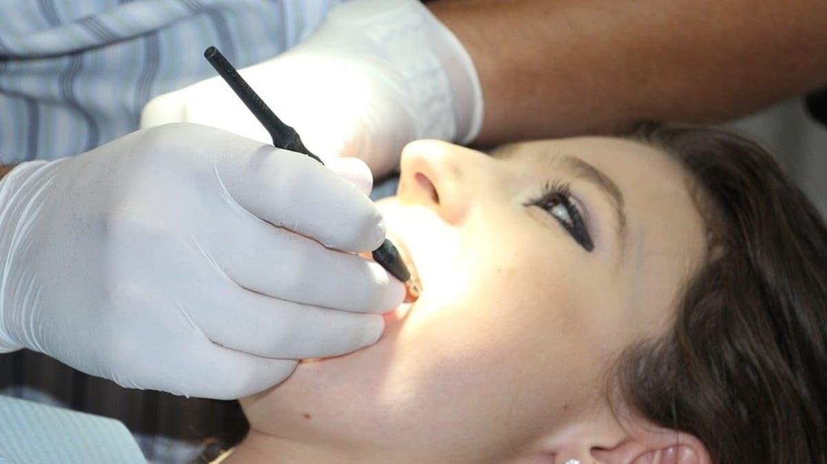 """Ağız ve diş temizliği nasıl olmalıdır""""  Diş fırçası nasıl seçilmelidir"""""""