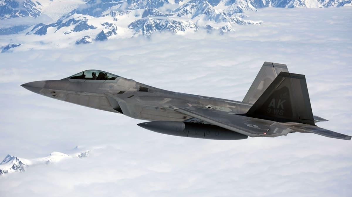 ABD ordusuna ait F-22 savaş uçağı düştü!