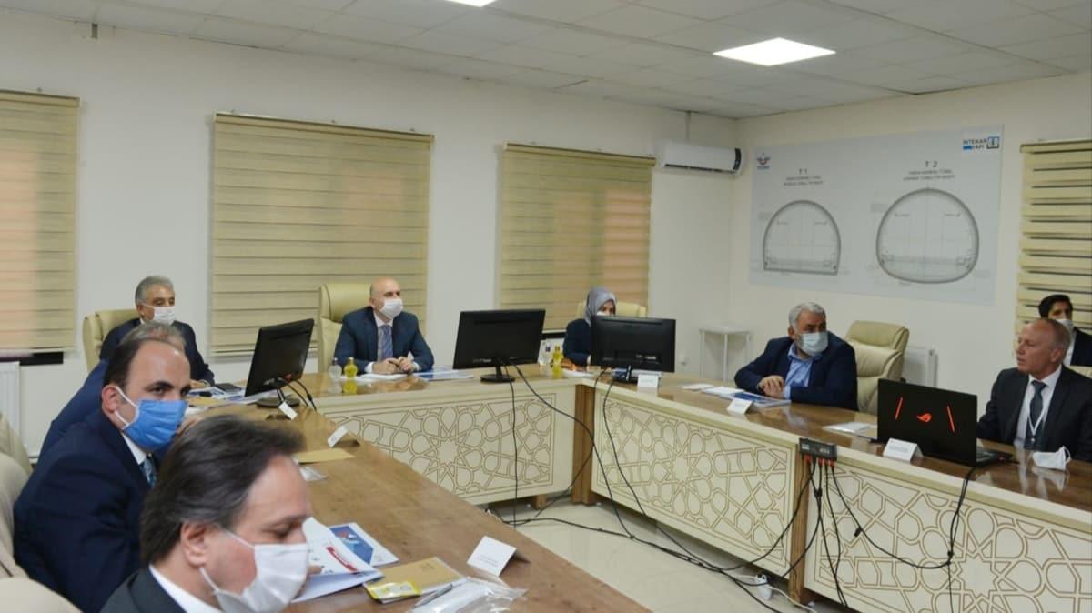 Bakan Adil Karaismailoğlu, Karaman-Ulukışla Hızlı Tren Projesi'nin Ereğli şantiyesinde incelemelerde bulundu