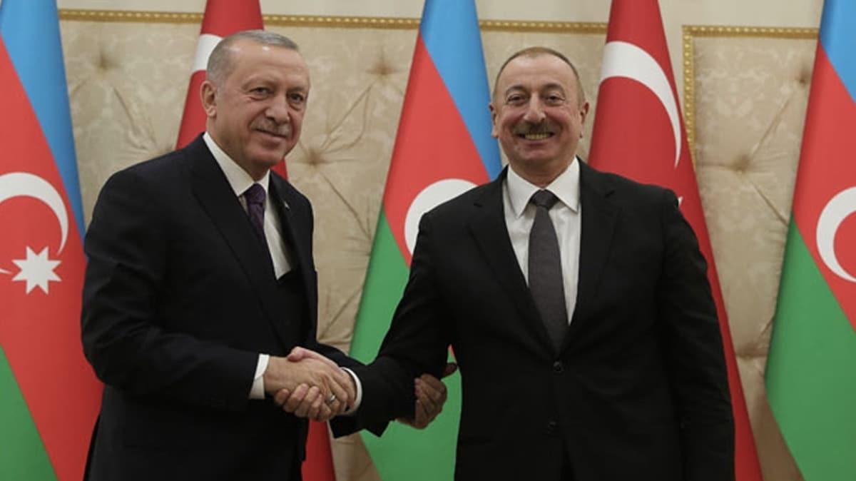 Başkan Erdoğan, Azerbaycan Cumhurbaşkanı Aliyev'e kutlama mesajı gönderdi