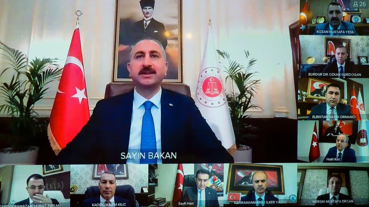Bakan Gül, Anadolu Bölgesi ve Akdeniz Bölgesi başsavcılarıyla görüştü