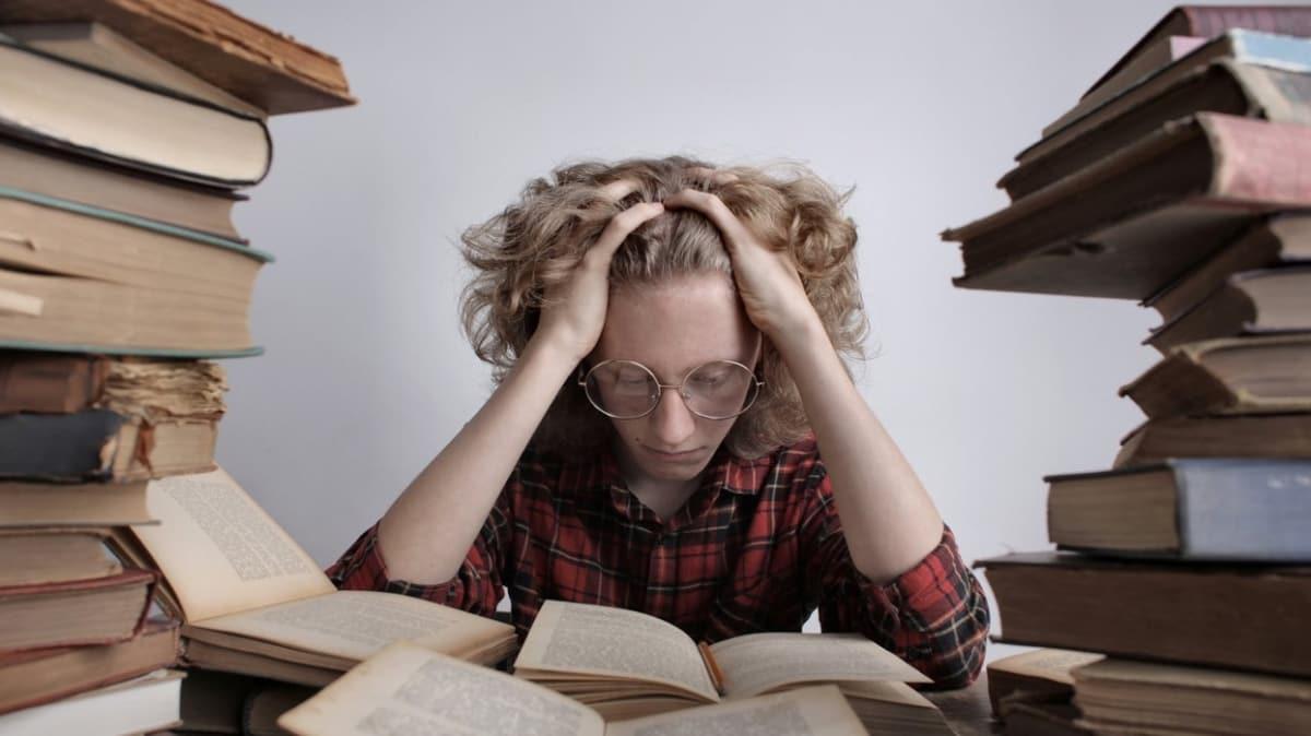 """Sınav kaygısını ortadan kaldıran 10 anahtar cümle!  Sınav kaygısı nasıl geçer"""""""