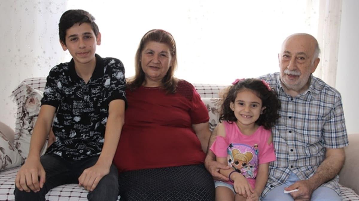 Burhan Amca 30 yılın ardından yeniden evlendiği eşiyle bayramı kutluyor