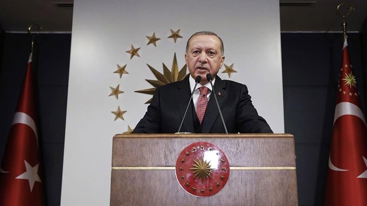 Başkan Erdoğan Bakan Akar'ı arayarak Mehmetçiğin bayramını kutladı