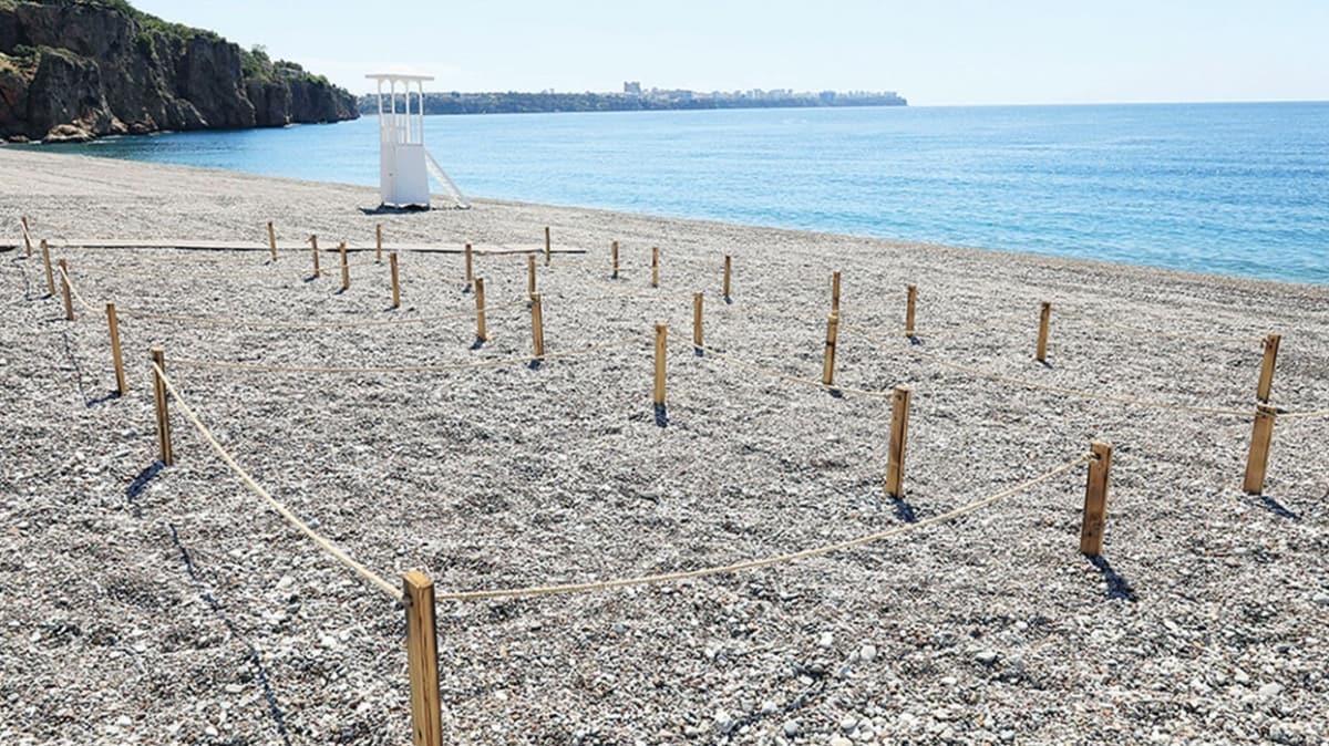 Rastgele 'havlu ser' dönemi bitti! Dünyaca ünlü Konyaaltı Sahili'ne normalleşme ayarı