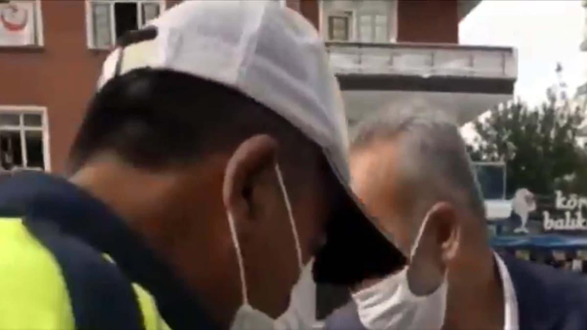 Ankara'da telefonla konuşan dolmuş şoförü ceza yazan polise 'Küçük bir ceza yazın' dedi