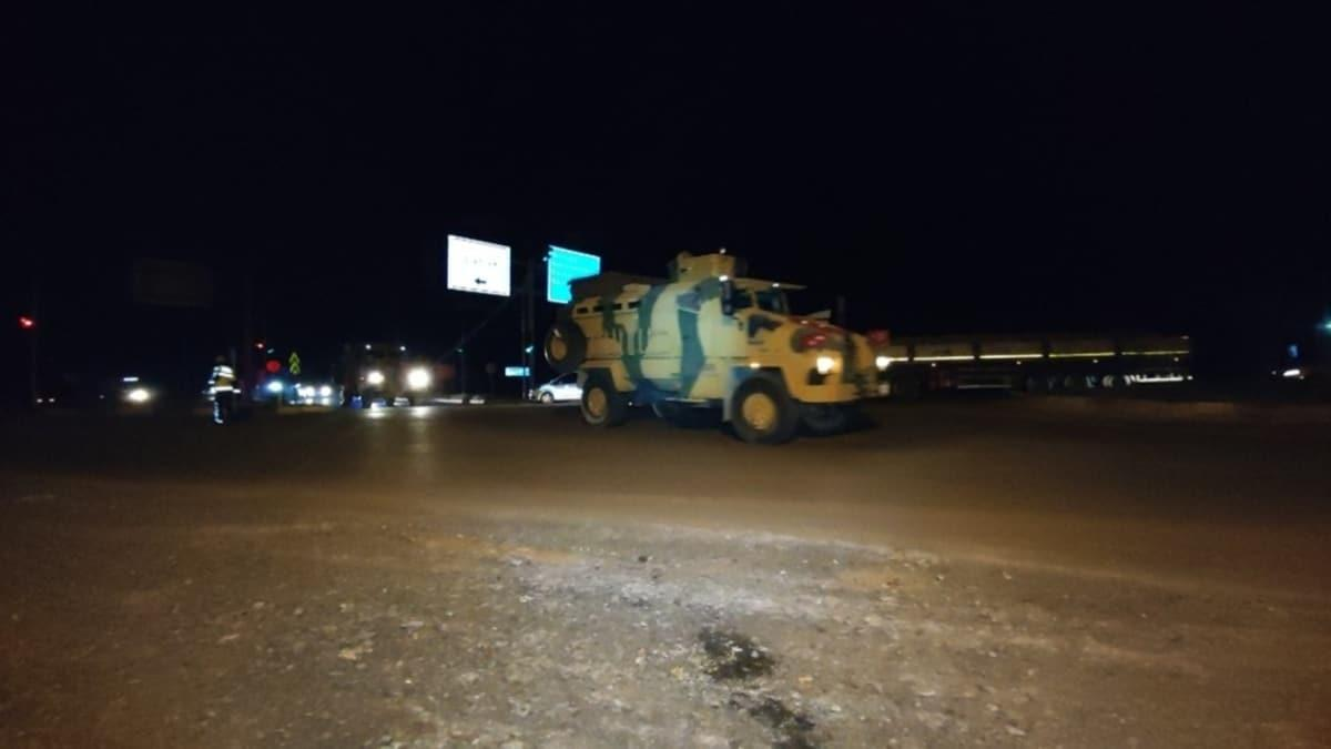 Suriye sınırına askeri araç ve malzeme sevkıyatı