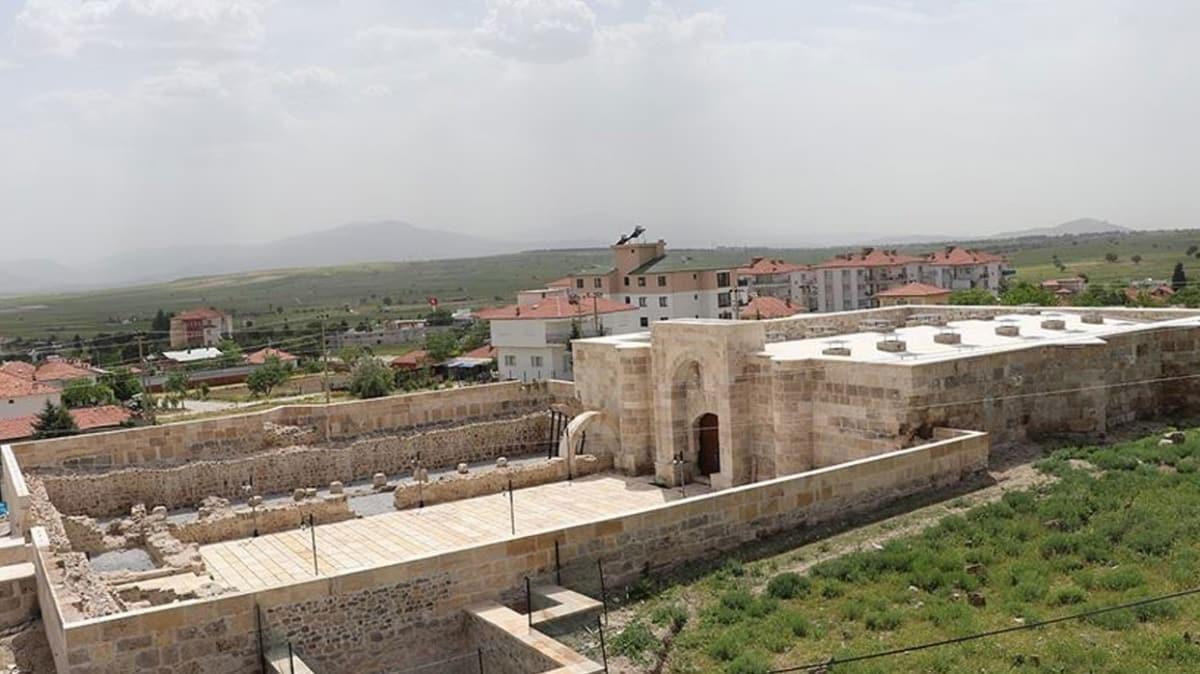 Anadolu Selçuklular eseri 790 yıllık Çardak Han eski ihtişamına kavuştu