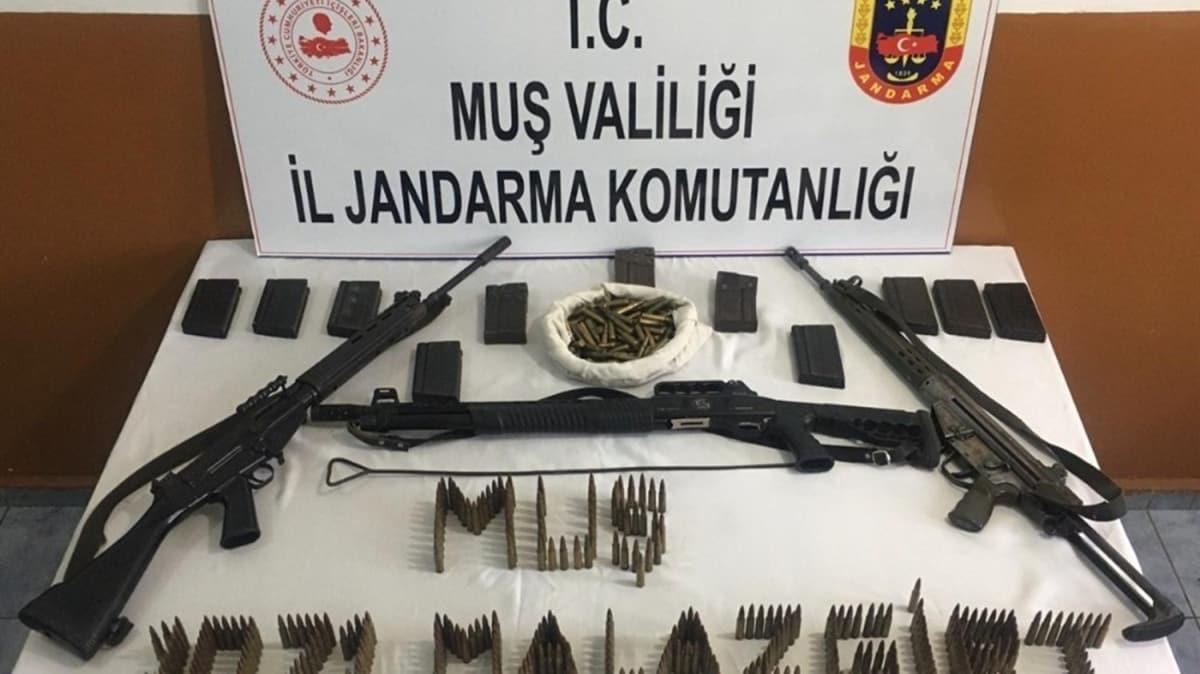 Muş'ta PKK'lı teröristlere ait mühimmat ele geçirildi