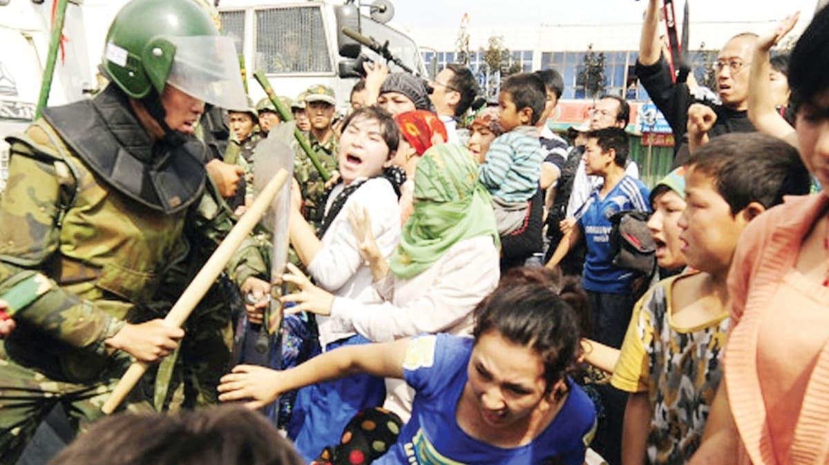 Çin'e 'Uygur kampları' yaptırımı