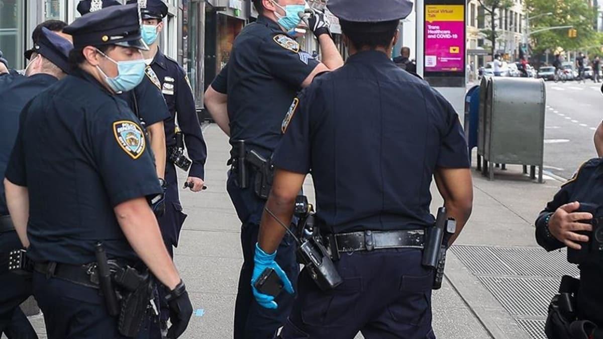 ABD'de siyahi Floyd'un boynuna dizini basarak ölümüne sebep olan polis tutuklandı