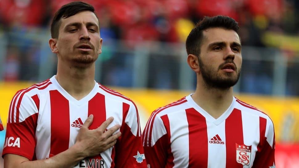 Galatasaray, Mert Hakan Yandaş ve Emre Kılınç ile kesin olarak anlaşma sağladı