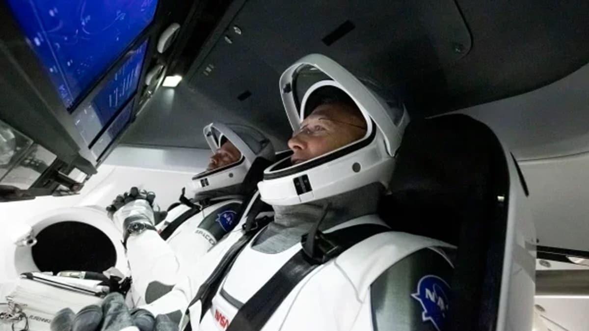 Tarihi uzay yolculuğu başladı! Dünya bu ana kilitlendi